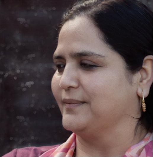 photos on guru maa.jpg